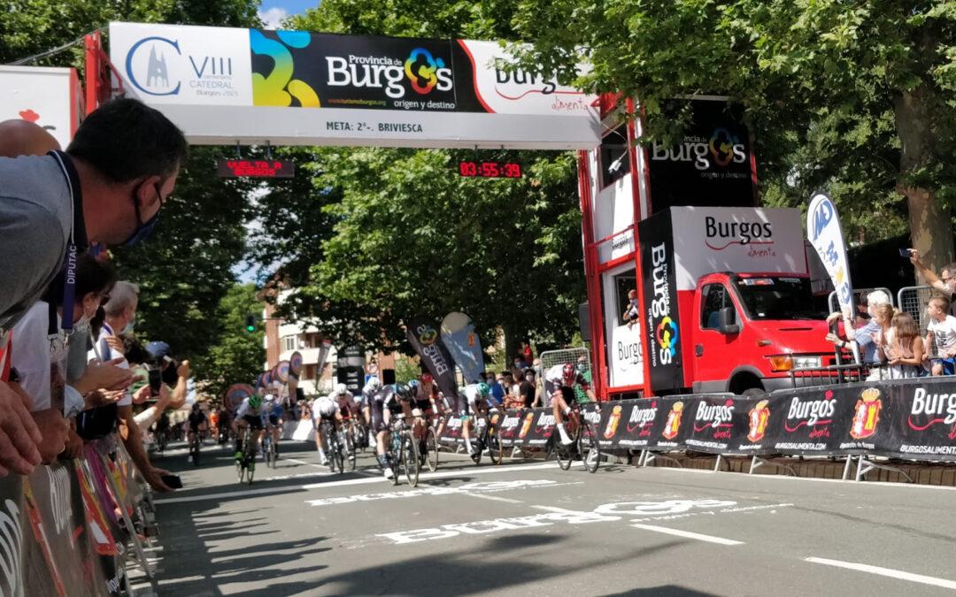 El colombiano Juan Sebastián Molano (UAE Team Emirates) se hace con la meta de Briviesca en la 2ª etapa de la Vuelta a Burgos.